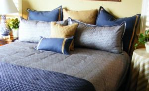 How to Arrange Pillows on a King Bed Option 1